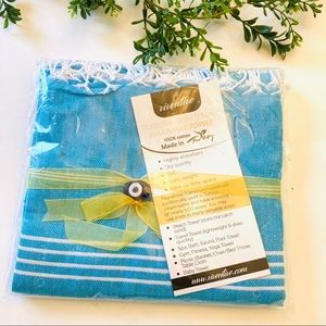 Teal Turkish beach towel, thin & absorbent- new